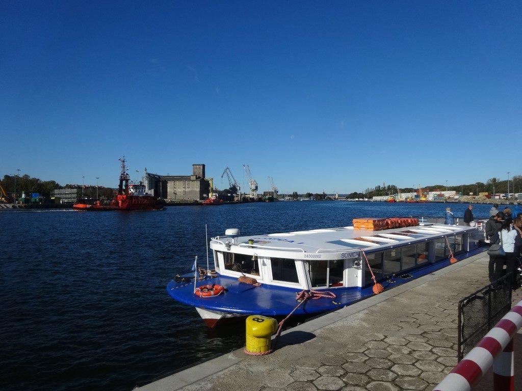 Le Ferry-tram municipal à Gdansk
