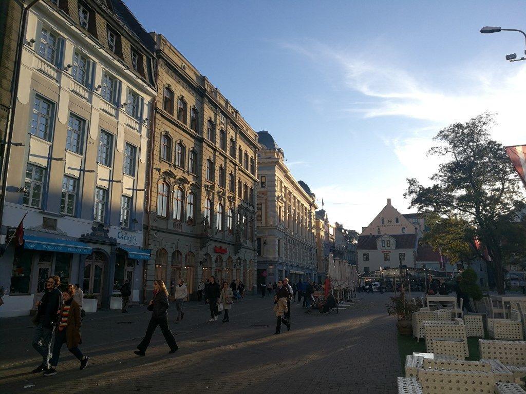 Une place dans la vieille ville de Riga