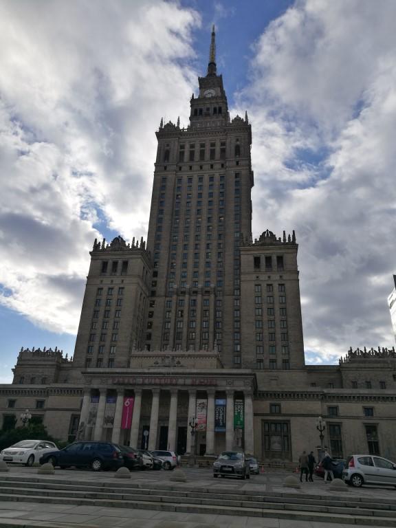 La Palace de la culture et des sciences offert par Staline à la Pologne