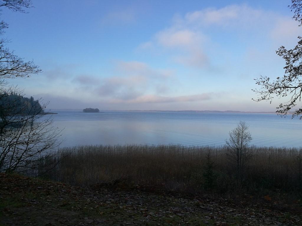 Le lac à l'arrière de la presqu'île
