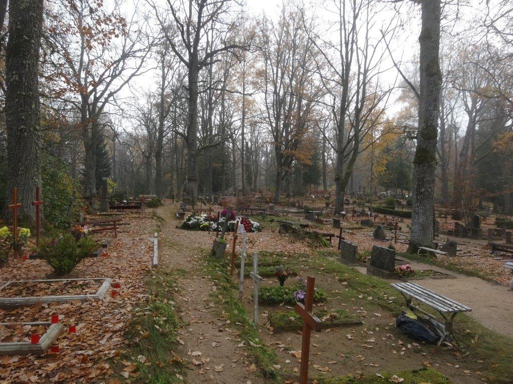 Le cimetière d'Aluksne