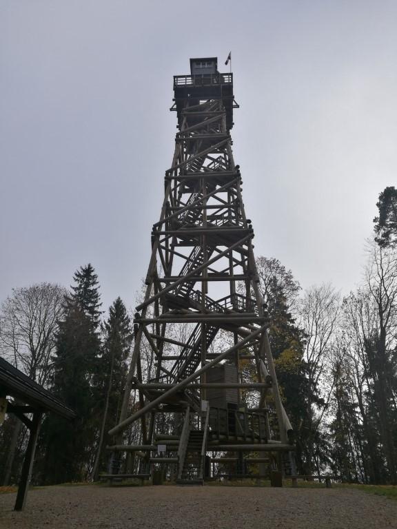 la tour d'observation au sommet de l'île.