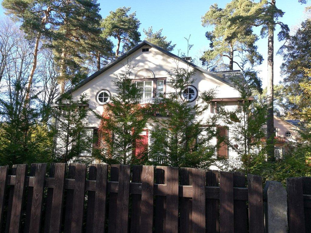 Une maison de vacances dans la pinède à Jurmala
