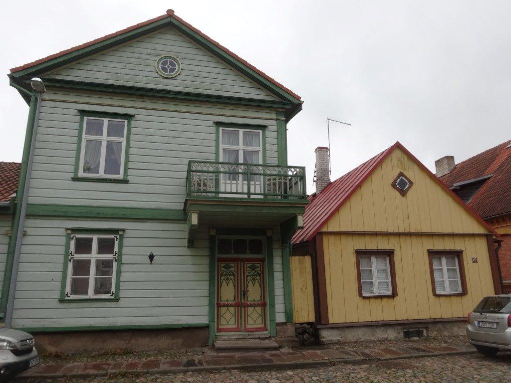 Les petites maisons typiques d'Estionie