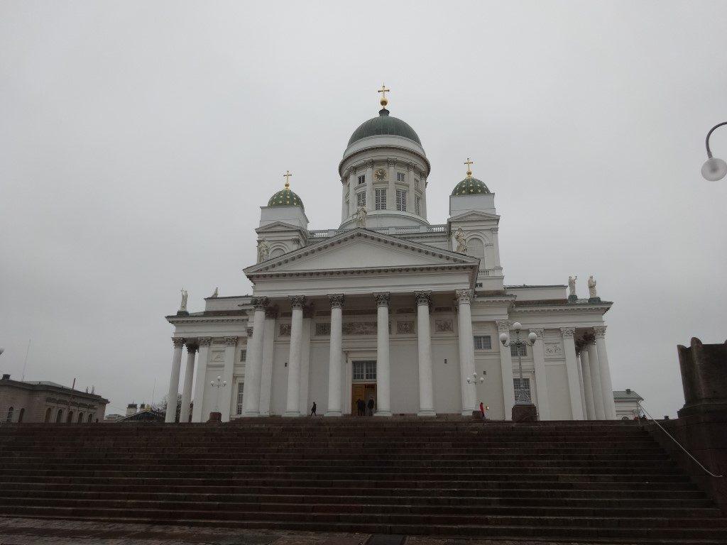 La Cathédrale d'Helsinki située au point culminant et au centre de la ville