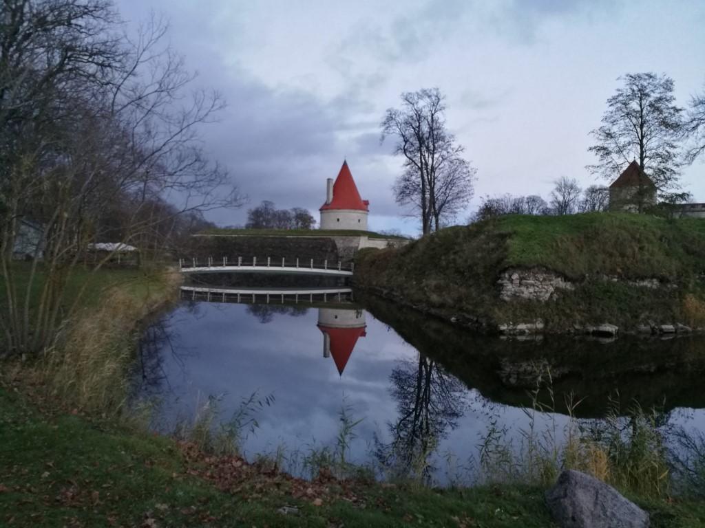 le chateau de Kuressaare au crépuscule