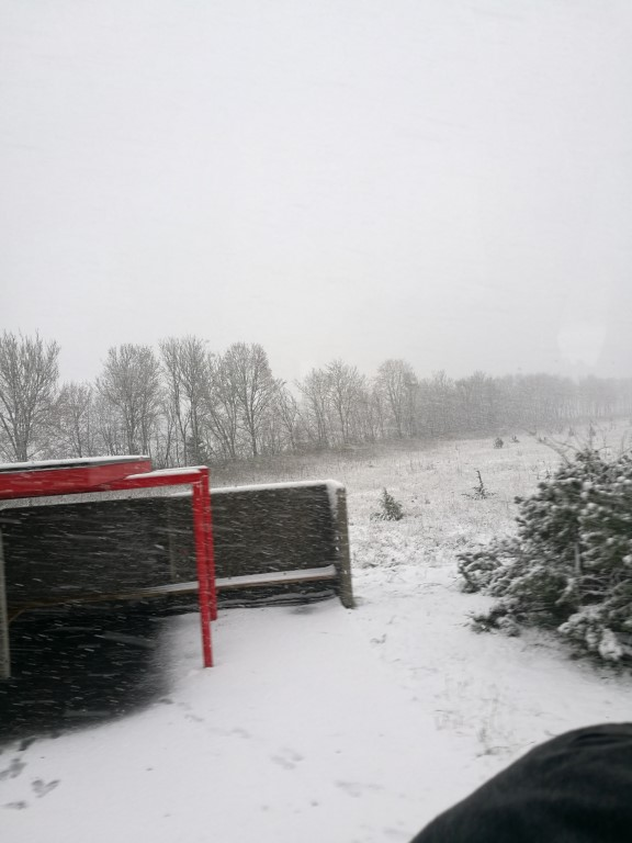 La tempête de neige entre Kuressaare et Tallinn