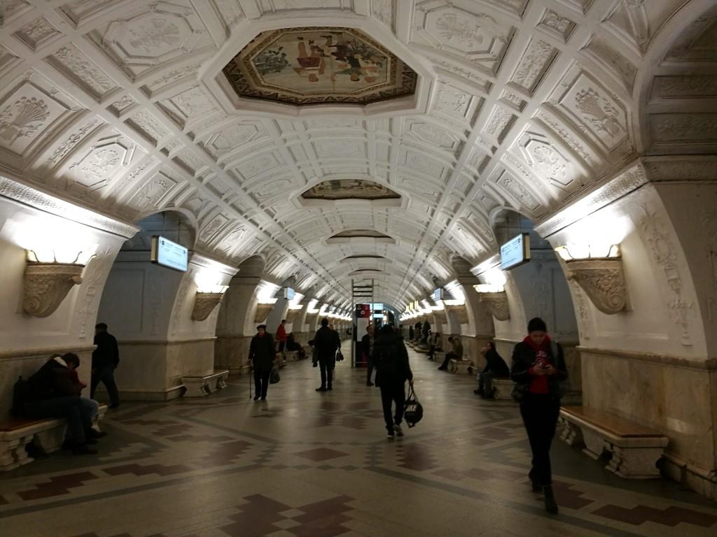 Le métro de Moscou, galerie d'art du peuple