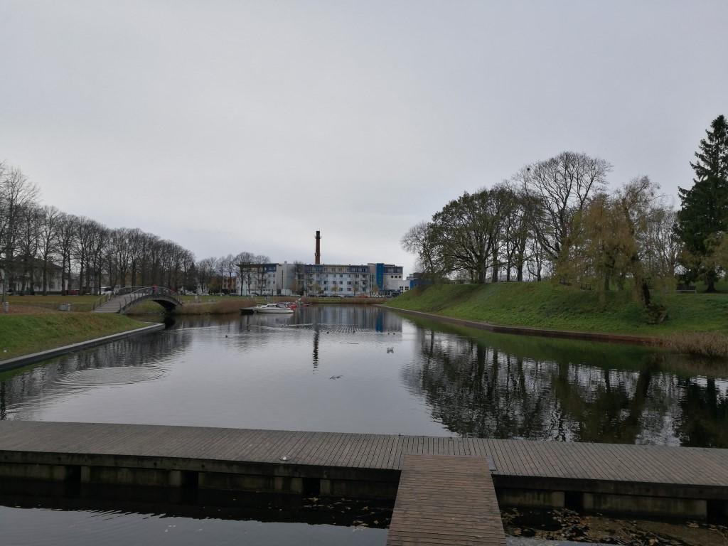 Les anciennes douves des fortifications réaménagées en port de plaisance