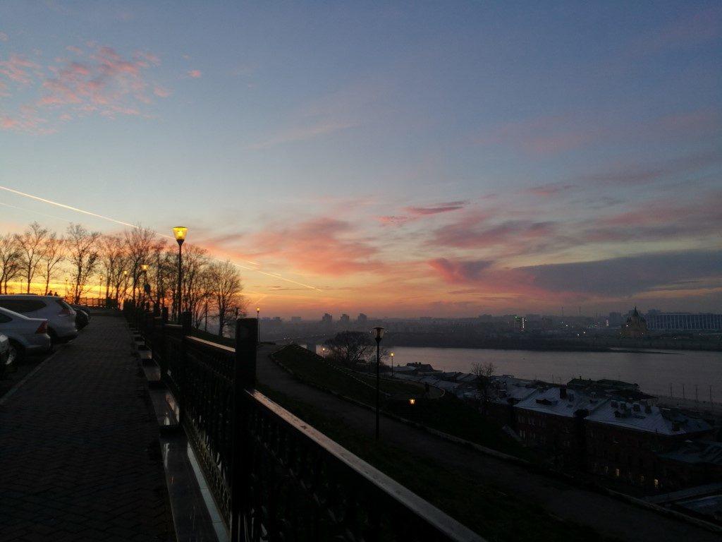 Le coucher de soleil sur Nizhnyi-Novgorod