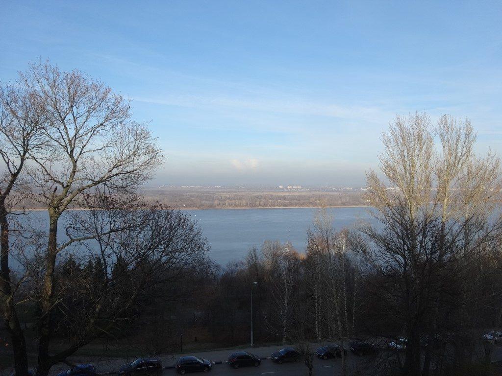 La vue sur la rivière Moskava depuis le Kremlin de Nizhnyi-Novgorod