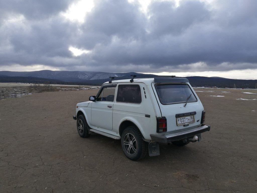 Excursion à la découverte du Lac Baïkal en voiture d'époque