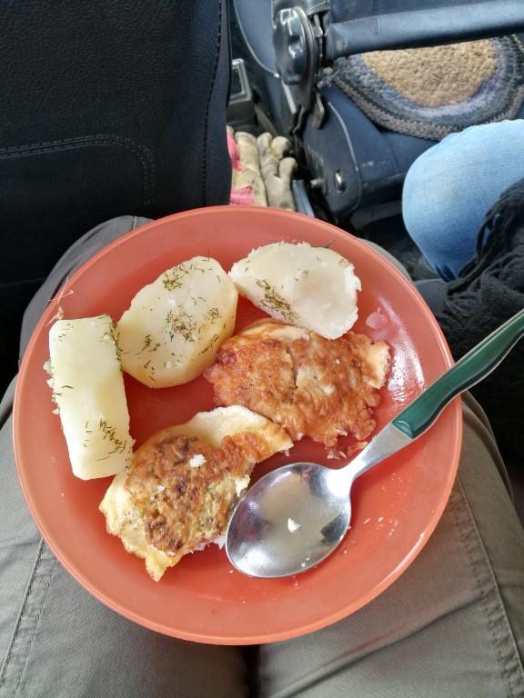 Le repas de midi sur l'île d'Olkhon