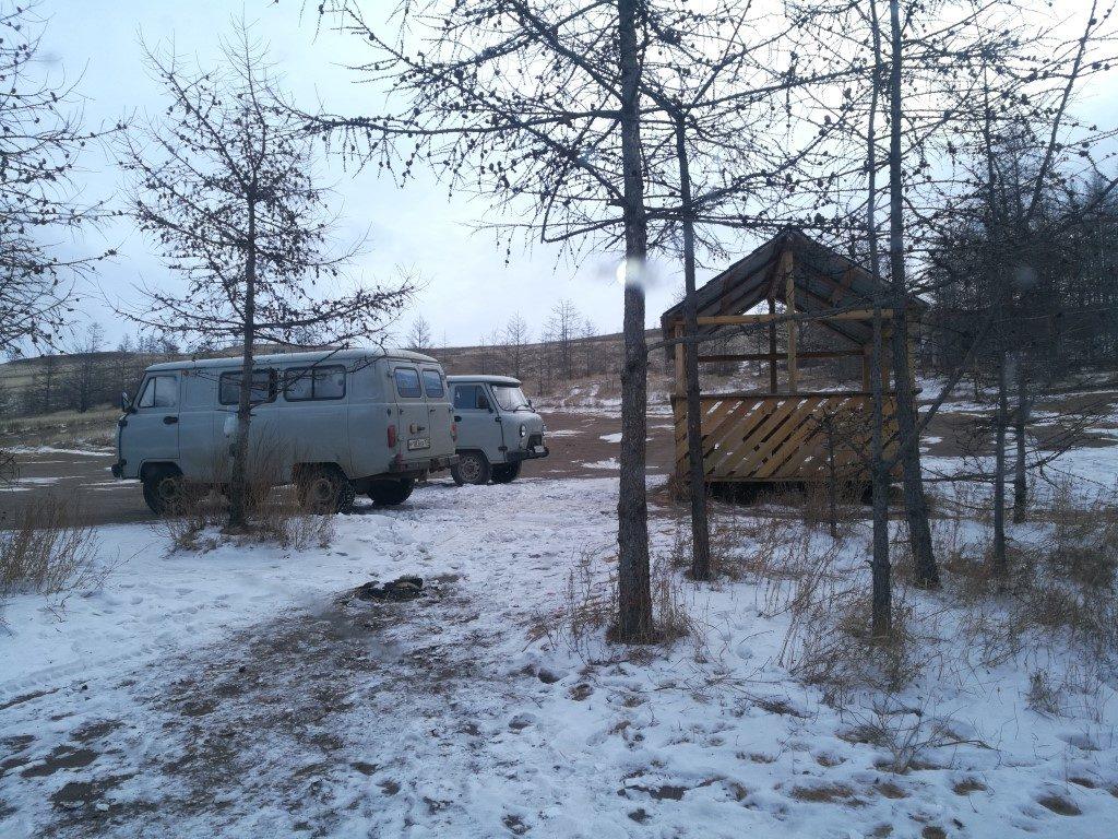 Les camionnettes utilisées pour les excursions des groupes plus importants