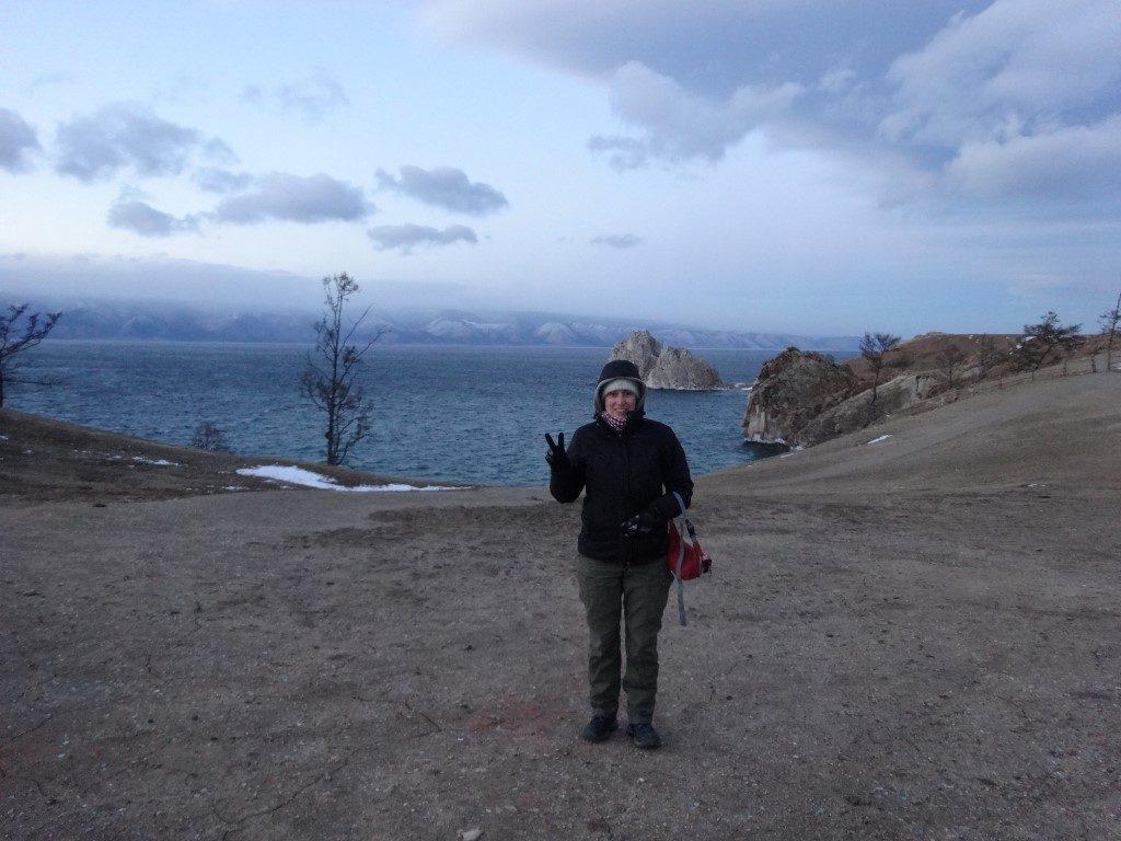 Il fait froid quand on explore le lac Baïkal