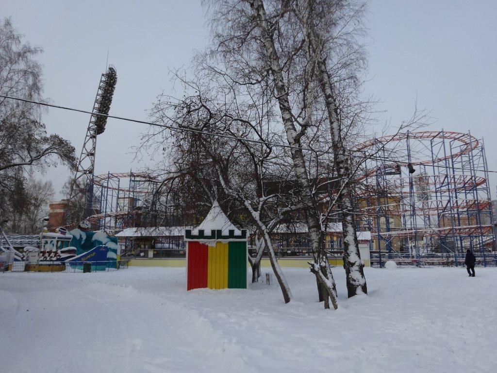 Le Parc d'attraction de Novosibirsk, fermé pour l'hiver, ambiance étrange !