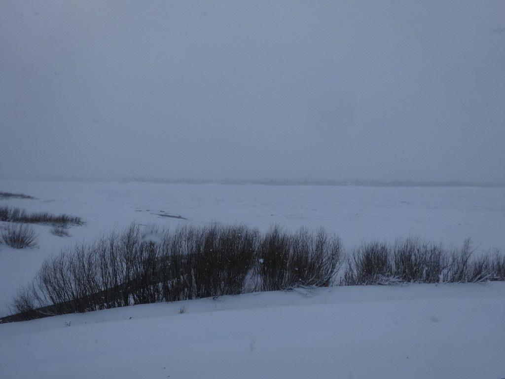 La rivière Tom, complètement gelée