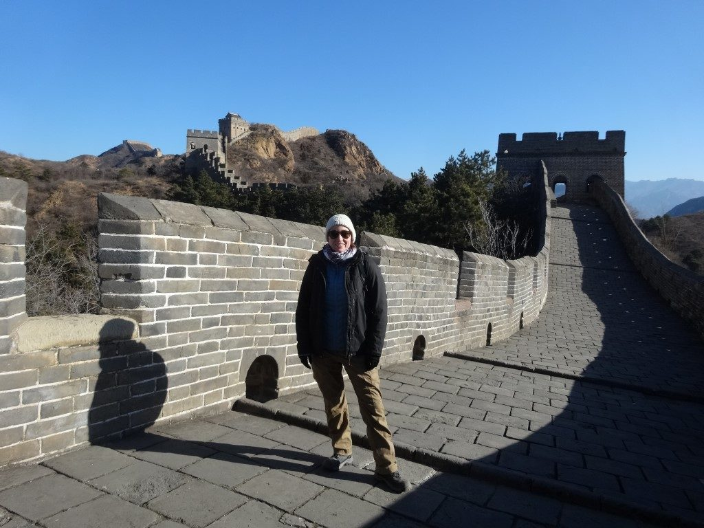 Sur le chemin le long de la Grande Muraille