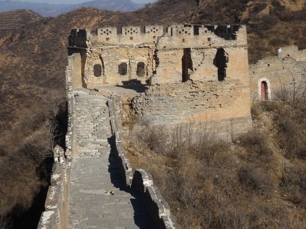 Une des tours pas complètement restaurée à Jinshanling