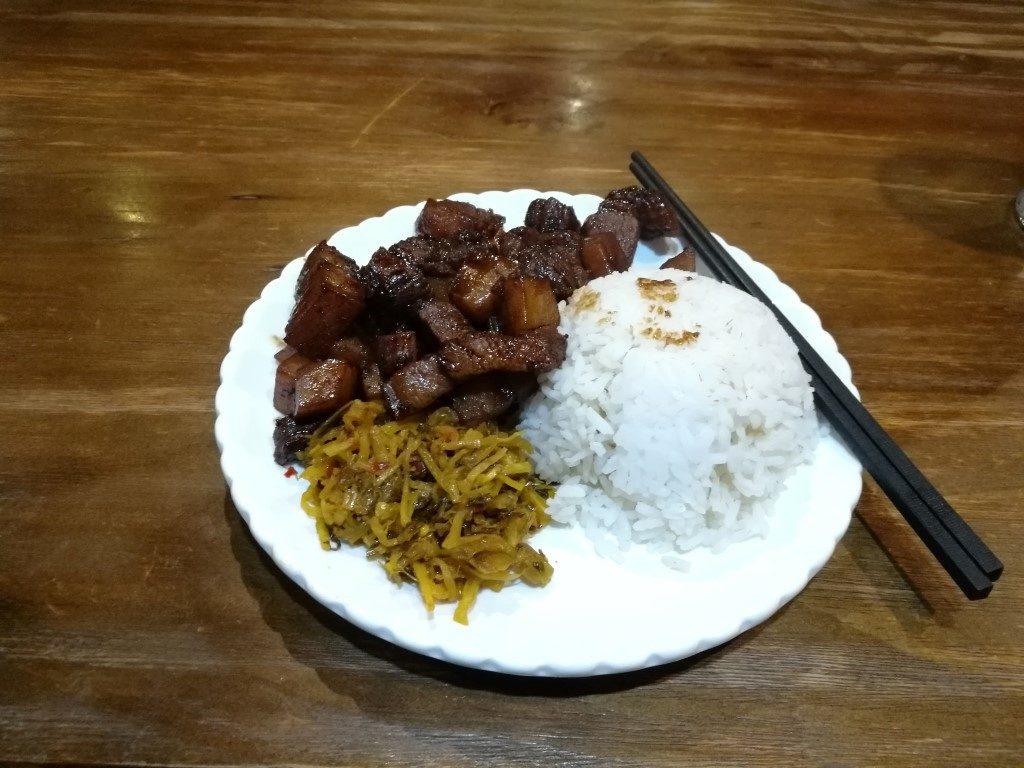 Repas du soir à Wulingyuan