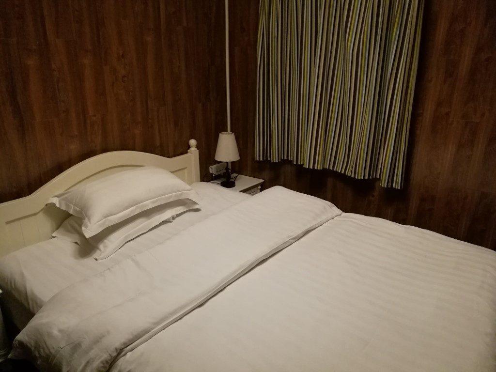 La chambre individuelle après des mois de dortoirs