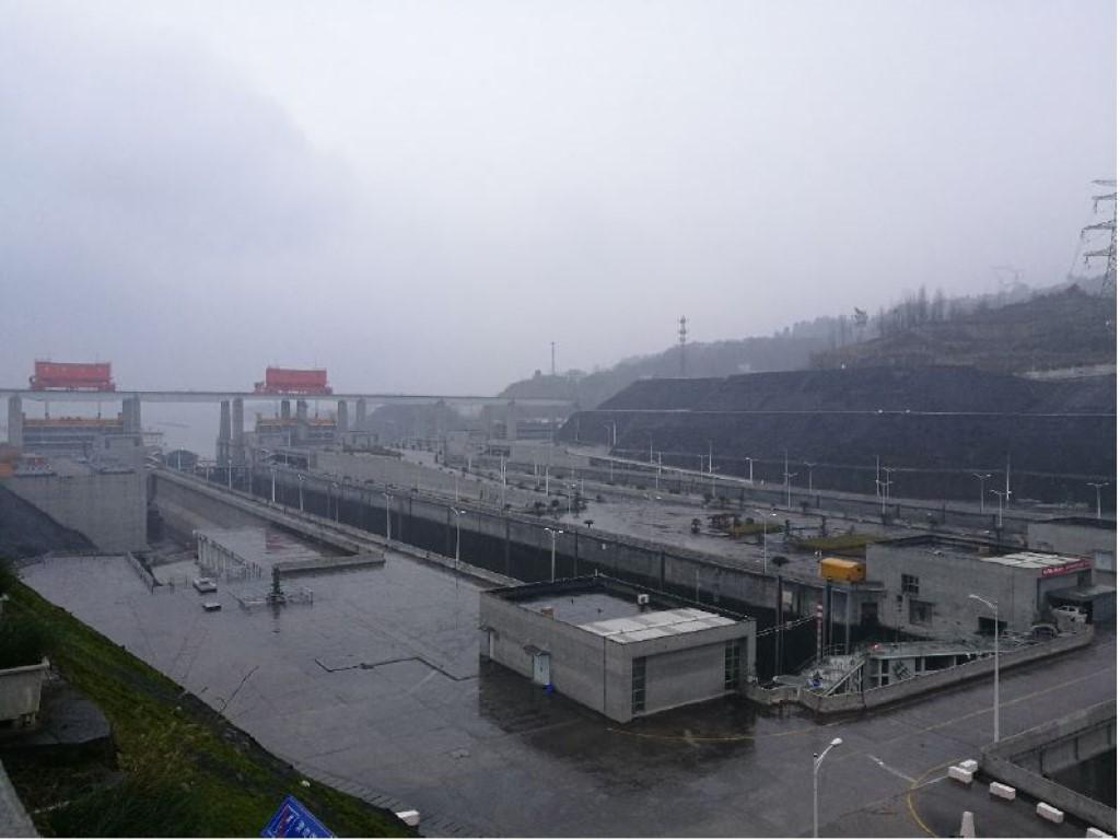 Une des écluses du barrage sur le Yang-Tze