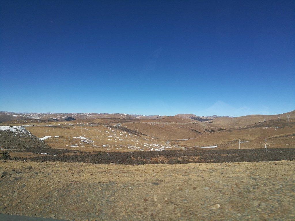 Le paysage sur la route de Litang