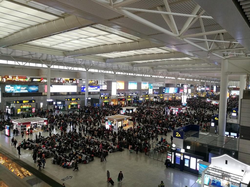 La gare de Shanghai prise d'assault à 2 semaines du Nouvel An Chinois