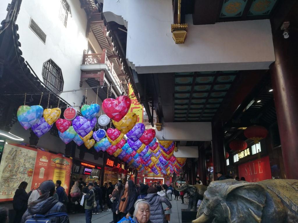 Les décorations kitch avant le Nouvel An chinois