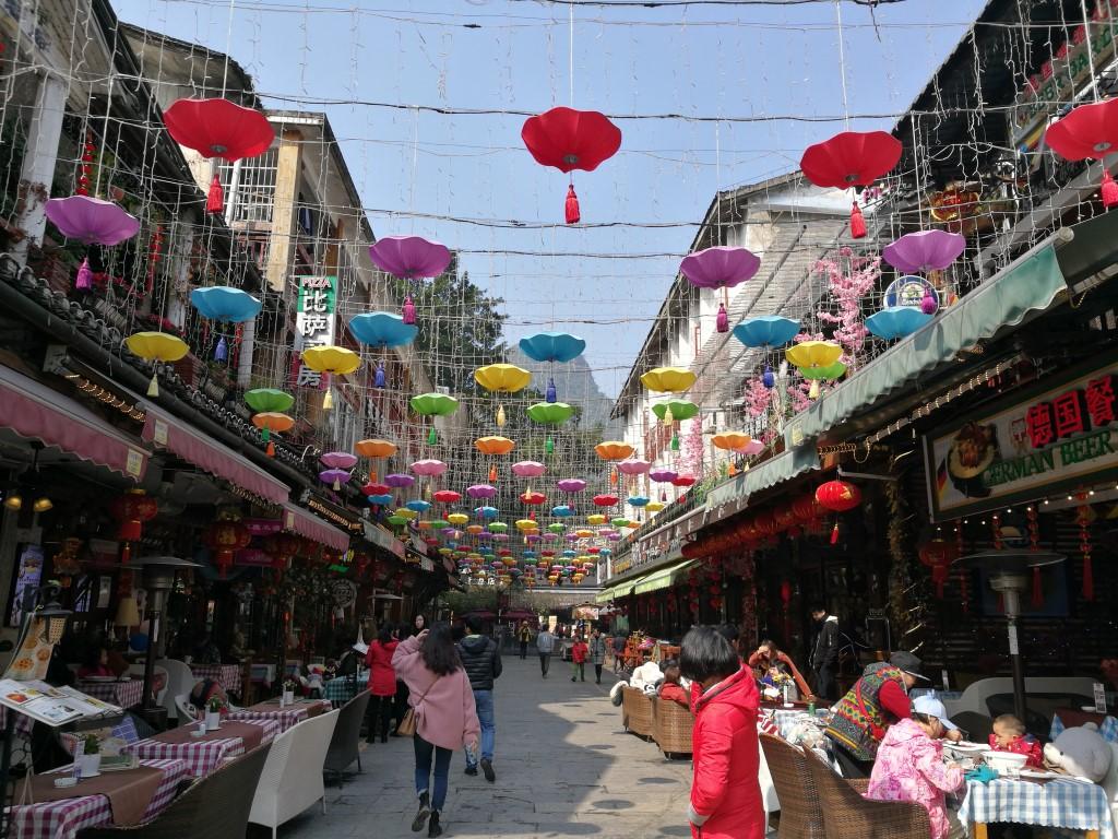 Balade dans Yangshuo sous le soleil