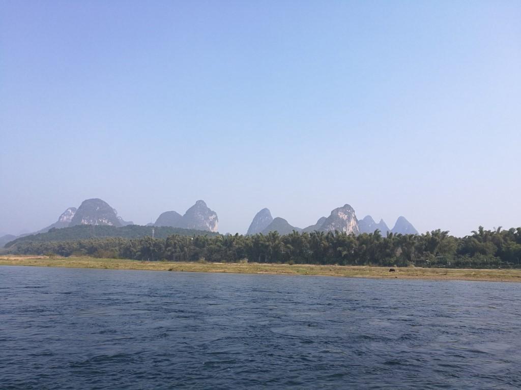 Sur les berges de la rivière Li