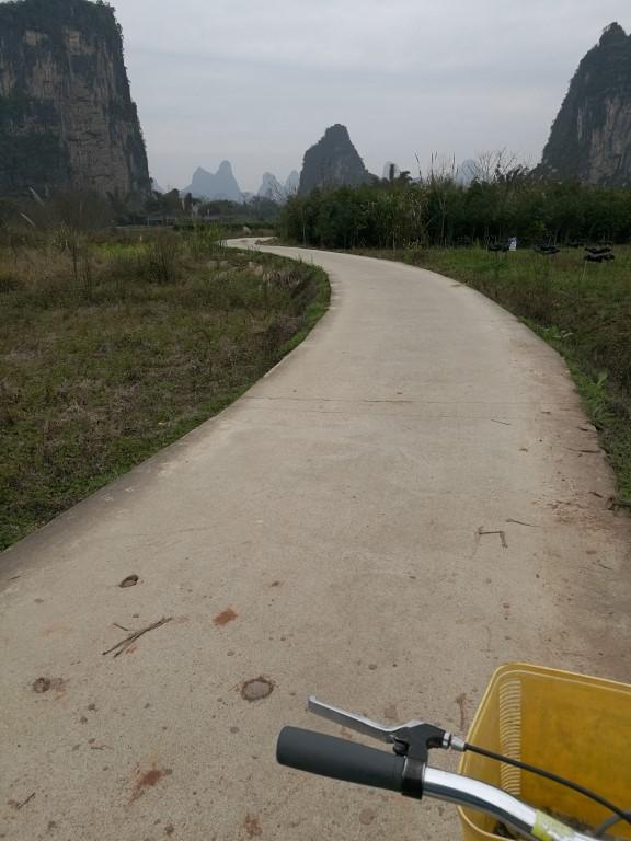 Balade dans la campagne autour de Yangshuo, un moment de solitude avec la vue