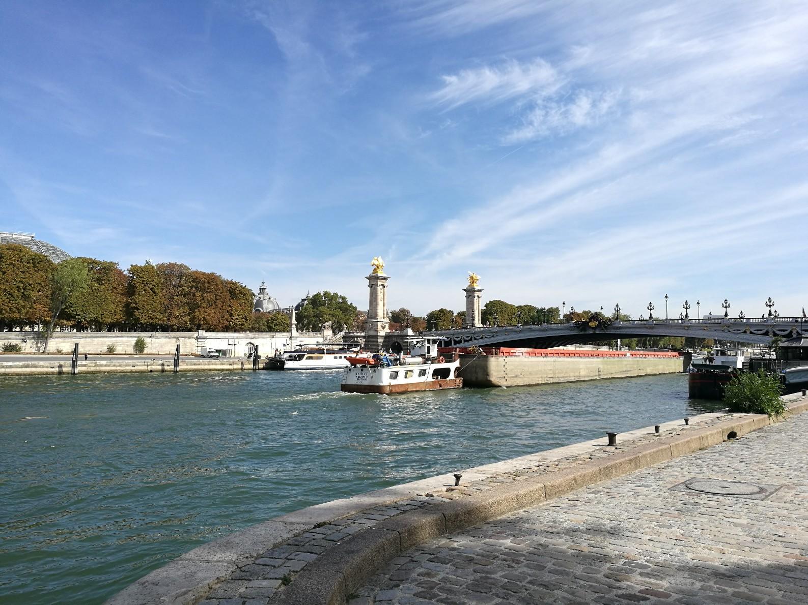 Un pont sur la Seine