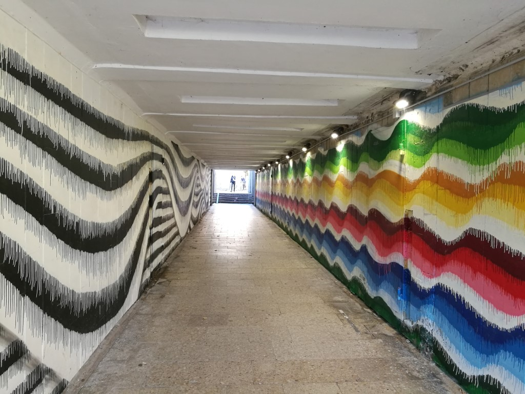 Peintures sur un des murs de la ville à Kaunas