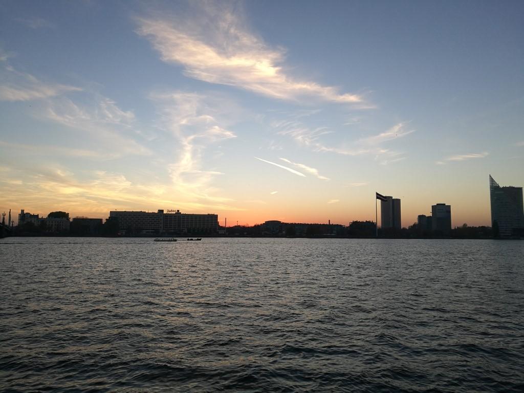 Coucher du soleil sur la rivière Daugava