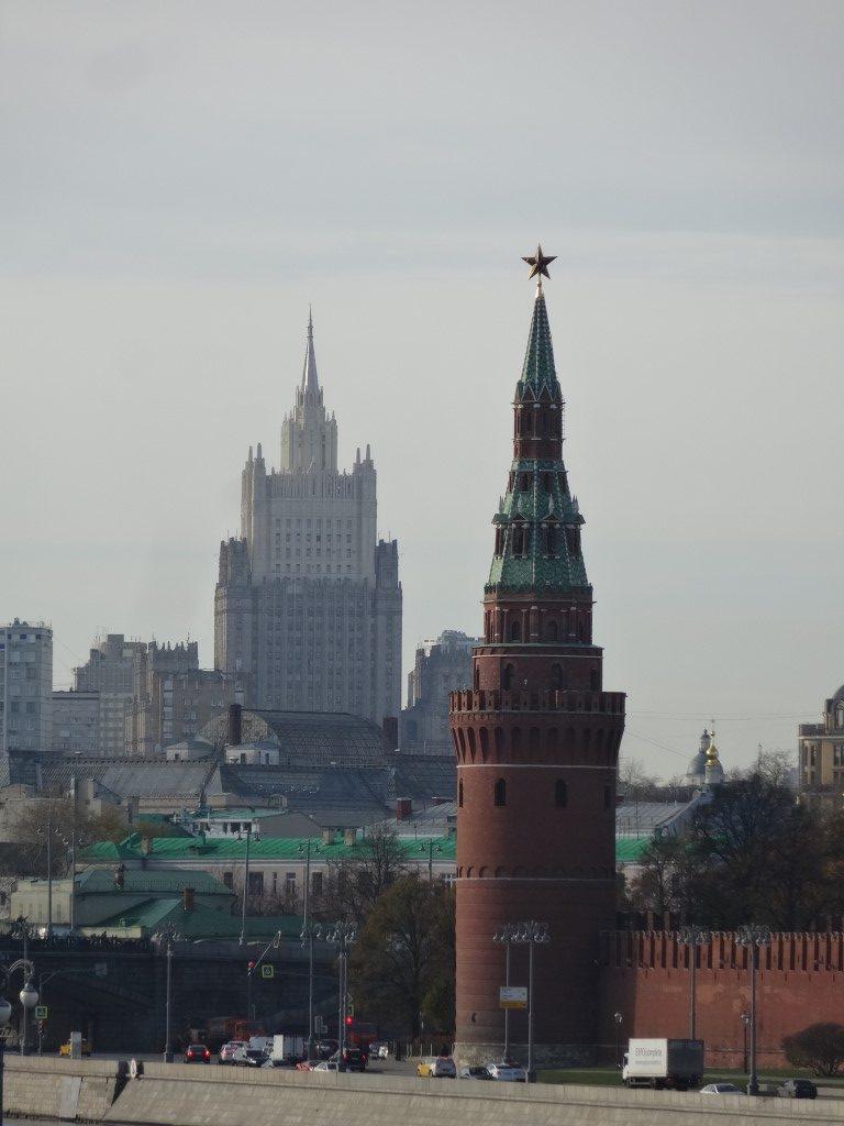 Un des 7 monstrueux bâtiment soviétique de Moscou